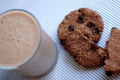 21anshake-carobcookies.jpg