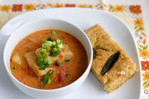 カボチャのニョッキ入りトマトスープとカボチャのフォッカッチャ