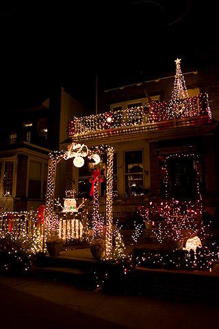 クリスマス・デコレーション散歩:イルミネーションの家