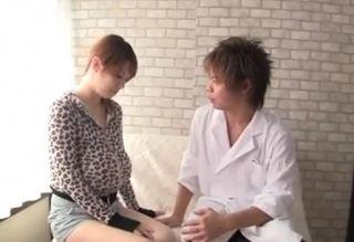 イケメンに母乳をしぼられるスナックバーLカップのママ! 母乳おっぱい動画です。
