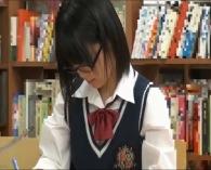 図書館で真面目に勉強してる眼鏡JKをお漏らしするほど発情させた結果wwww