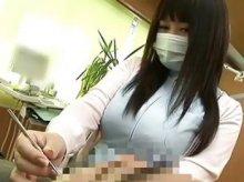 おっぱいで制服がパツパツすぎる歯科衛生士が巨乳すぎてくっそエロいwwwww