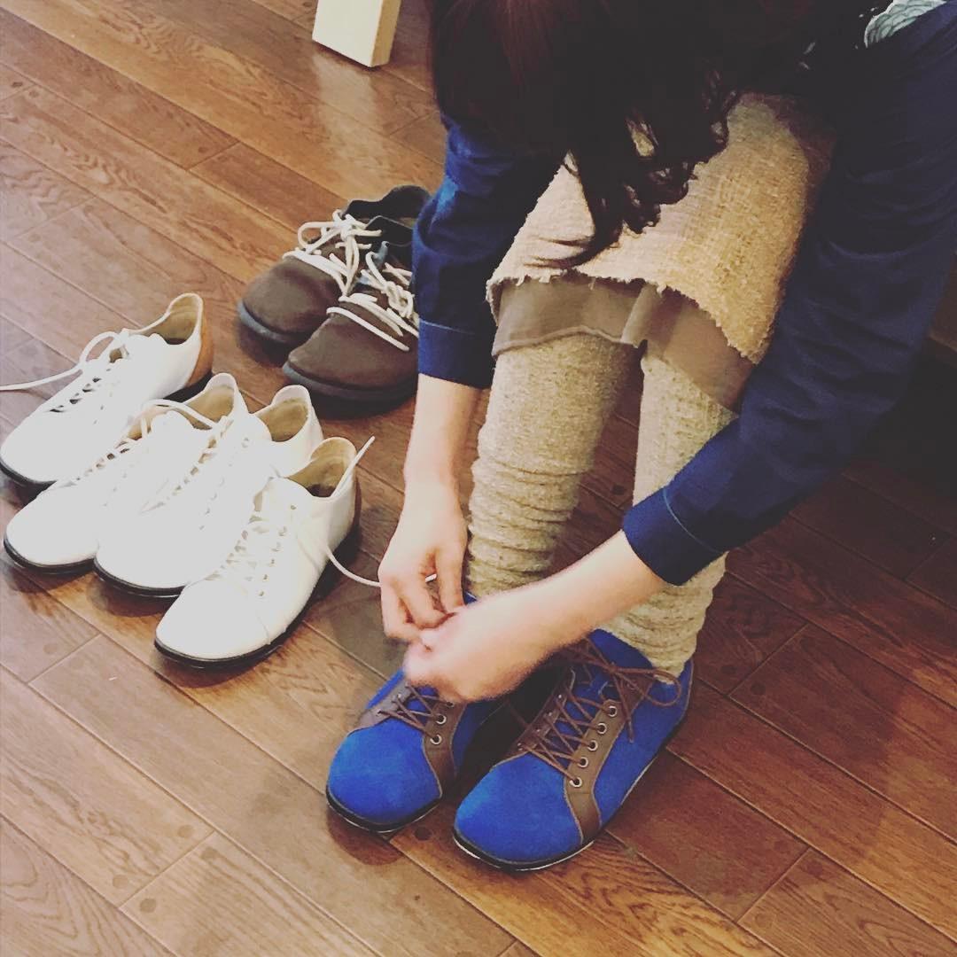 岐阜 トロンチ 展示会の模様 girlielounge 履いた写真
